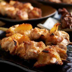 焼き鳥をはじめ人気の鶏料理が食べ放題で楽しめる池袋の居酒屋「とりいちず」のメニュー
